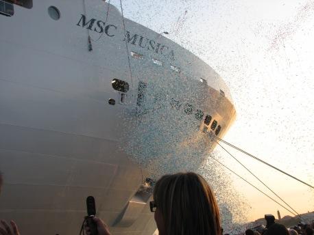 2006 junio botadura del MSC MUSICA